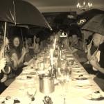 Pēc kopīgiem piedzīvojumiem arī vakariņas muižā garšo labāk
